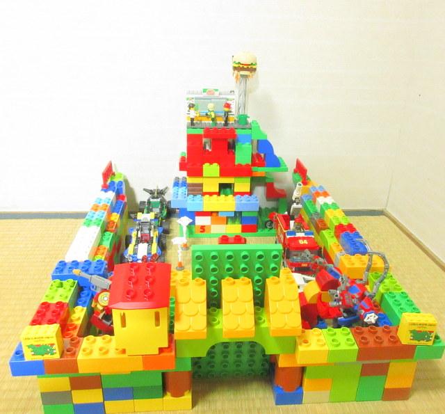 小学校一年生 レゴデュプロ作品 お城